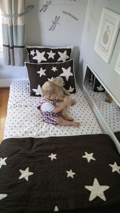 My Kid Sleeps on the Floor: Montessori Floor Bed - The Sprouting Seed. Floor bed, maybe. Like the mirror on its side Montessori Toddler, Montessori Ikea, Montessori Bedroom, Maria Montessori, Baby Bedroom, Kids Bedroom, Room Baby, Toddler Rooms, Toddler Bed