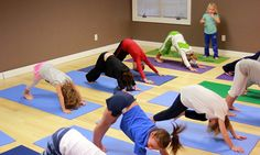 4 Maneras De Fomentar El Juego Con El Yoga Para Niños