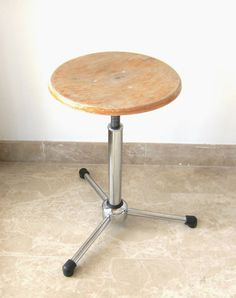 Wood and Tubular Chrome Bar Stool Vintage Chairs, Vintage Furniture, Chrome Bar Stools, Adjustable Stool, Mid Century Chair, Vintage Industrial, Restoration, Woodworking, Steel