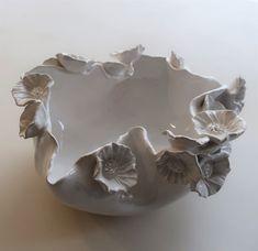 Ceramic Pinch Pots, Ceramic Clay, Ceramic Bowls, Slab Pottery, Pottery Bowls, Ceramic Pottery, Clay Flowers, Ceramic Flowers, Pottery Handbuilding
