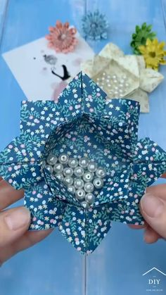 Cool Paper Crafts, Christmas Paper Crafts, Diy Resin Crafts, Paper Crafts Origami, Diy Crafts Hacks, Diy Crafts For Gifts, Diy Arts And Crafts, Creative Crafts, Cute Origami
