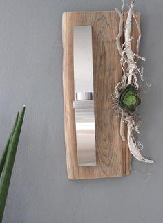 WD44 – Außergewöhnliche Wanddeko! Altes Eichenbrett natürlich dekoriert mit einer künstlichen Sukkulente und einer Edelstahlleiste die als Teelichhalter oder Blumenvase dient! Preis 54,90€