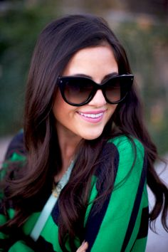 love her hair! Real Dark Hair I think this is what I had in mind when we were talking about brunette hair on you, I'm trying to picture your. Hair Color And Cut, Hair Color Dark, Fall Hair Color For Brunettes, Corte Y Color, Beauty And Fashion, Looks Street Style, Looks Chic, Tips Belleza, Hair Dos