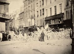 A Paris, la commune de 1871, Paris aftermath  captured from the German Army.