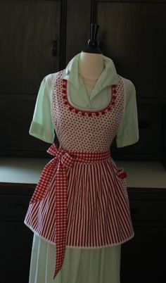 "Retro Apron ""BE MINE"" Valentine's Day Hearts Red Gingham Stripes Pompoms"
