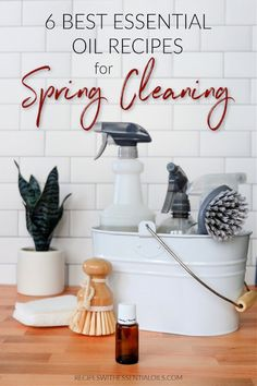 6 Best Essential Oil Spring Cleaning Recipes - Recipes with Essential Oils Essential Oils Cleaning, Best Essential Oils, Young Living Essential Oils, Essential Oil Blends, House Cleaning Tips, Deep Cleaning, Spring Cleaning, Cleaning Hacks, Natural Cleaning Recipes