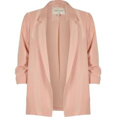 River Island Plus blush pink ruched sleeve blazer (165 BRL) ❤ liked on Polyvore featuring outerwear, jackets, blazers, coats, casacos, pink, coats / jackets, women, pink jacket and slim blazer