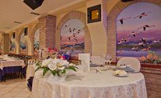 L'Hotel Libyssonis è la location ideale per il vostro matrimonio: l'elegante struttura dispone di un'ampia sala arredata in modo raffinato e di uno staff a vostra disposizione per rendere indimenticabile il giorno più bello della vostra vita.