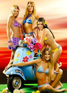 FETY Women's High Waist Leggings Full-Length Yoga Pants with Pockets, Tummy Control Workout 4 Way Stretch Pants for Women Piaggio Vespa, Lambretta Scooter, Vespa Scooters, Scooter Scooter, Tatoo Bike, Scooter Motorcycle, Vespa Girl, Motor Scooters, Hot Bikes