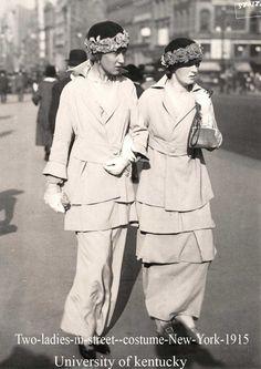 Two-ladies-in-street--costume-New-York-1915