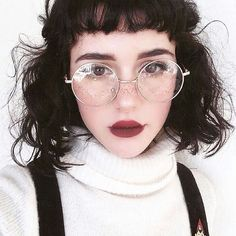 New Glasses Fashion Round Style Ideas Circle Glasses, New Glasses, Makeup Inspiration, Character Inspiration, Pretty People, Beautiful People, Simply Kenna, Outdoor Portrait, Chica Cool