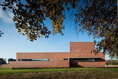 Gallery of Gallery: Public Auditorium in Llinars del Vallès by Alvaro Siza + Aresta Arquitectura - 6