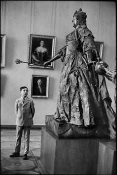 Leningrad, Russia. Henri Cartier-Bresson 1973.