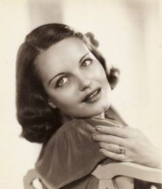 """The photo """"Rochelle Hudson"""" has been viewed 203 times. Rochelle Hudson, Yvonne De Carlo, Veronica Lake, Carole Lombard, New Names, Elizabeth Taylor, Vintage Hollywood, The Good Old Days, Vintage Beauty"""