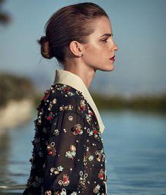 """Mi piace"": 2,251, commenti: 13 - Emma Watson (@queenemwatson) su Instagram: ""Good night  #emmawatson"""