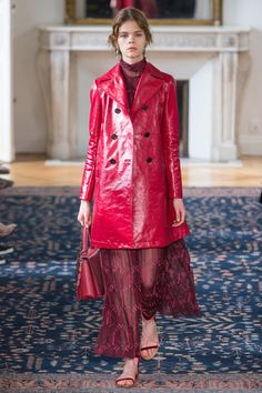 See the complete Valentino Spring 2017 Ready-to-Wear collection.