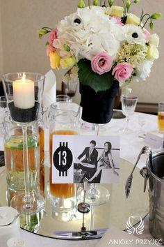 4. Mad Men's Wedding,Centerpieces,Table number / Wesele w stylu Mad Men,Dekoracja stołów,Numery stołów,Anioły Przyjęć