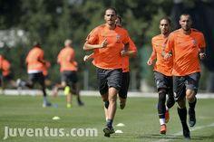 Quasi al completo - Almost a full complement in training - Juventus.com