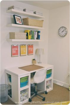 DIY Home Office Ideas: Steal These! The concepts of DIY home office ideas are to create a nice space for your home office in simple but beautiful way. Home Office Space, Home Office Design, Home Office Decor, Interior Design Living Room, Small Office, Office Decorations, Home Decoration, Study Office, Office Designs