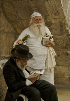 Israel - Kohen at the Kotel.... I know this Rabbi... gotta bracha from him.... awesome!