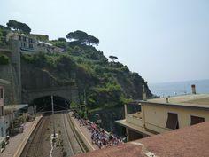 Riomaggiore, Liguria Italia (Luglio) Riomaggiore, Railroad Tracks, Train, Italia, Strollers, Train Tracks