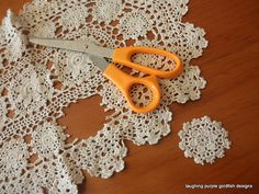 diy crochet ornaments without crocheting Look for linens/doilies at Goodwill and cut apart for appliques for upcycling Doilies Crafts, Lace Doilies, Crochet Doilies, Fabric Crafts, Sewing Crafts, Crochet Potholders, Crochet Lace, Diy Crochet Ornaments, Diy Christmas Ornaments