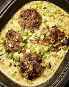 Ingredients: 400 g mushrooms 3 spring onions 1 onion 1 clove of garlic 500 g minced meat 4 tablespoons breadcrumbs 1 tablespoon mustard salt Pf . Ingredients: 400 g mushrooms 3 spring onions 1 onion 1 clove of garlic 500 g mince . Sauce Recipes, Meat Recipes, Vegan Sweet Potato Burger, Mince Dishes, Minced Meat Recipe, Ground Beef And Potatoes, Mushroom Recipes, Ground Beef Recipes, Vegetable Dishes