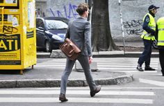 wool-suit-streetstyle-leather-suitcase-briefcase-case-men.jpg (730×475)