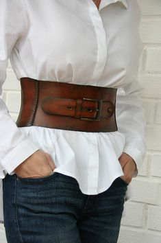 #streetstyle #fashionoutfit Beautiful leather corset belt. You can find more womens belts at my shop https://www.etsy.com/shop/LaLaBelt?ref=seller-platform-mcnav&section_id=21477951