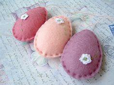 Easter - floral eggs - felt/wool
