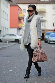 Oversized sweater is so 80's and still so stylish.