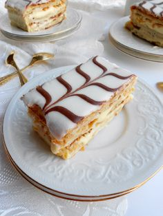 After months and months of putting it off, this week I finally conquered the popular French pastry, mille-feuille . Also known as Napol...