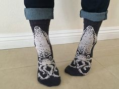 Knit a Spectacular Pair of Squid Socks -Chart and Pattern Available! #sockgoals2017