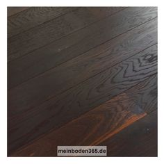 Eiche Picardie Das Parkett ist ein 3-Schicht Fertigparkett als kurze Landhausdiele in der Holzart Eiche. Das Format ist ideal für kleine, schmale Räume geeignet. Die Oberfläche der Diele ist Natur lebhaft und zudem gebürstet und uv-geölt. Das Parkett hat eine Nutzschicht mit einer Stärke von ca. 3,4 mm und eine 2-seitige Mikrofase. Die Deckschicht ist durchgängig geräuchert mit hellerem Splintholz. Dieser Boden kann sowohl schwimmend mit einer Trittschalldämmung oder vollflächig verklebt…