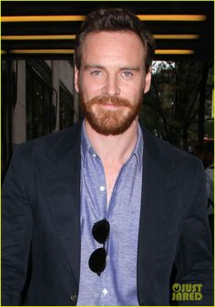 michael fassbender i wanted to be a musician 07 Michael Fassbender suits up for his appearance on Late Night with Jimmy Fallon on Wednesday (May 16) in New York City.    The 35-year-old actor signed autographs…