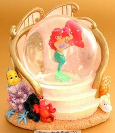 Disney Ariel primping Snowglobe