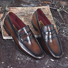 Traditional or classic look at handmade leather shoes in creative ways. For details, visit: http://emillosanto.com