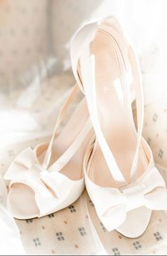Wedding shoes - bride, bridal, pink, white, blush, bow, tie, open toe, heels {Maria Dole}