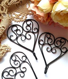 ♥ srdce ♥- vešiak 1 ks Wire Art Sculpture, Wire Work, Metallica, Wind Chimes, Beautiful Pictures, Hair Accessories, Projects, Gifts, Sony