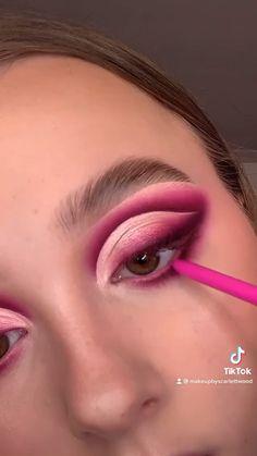 Makeup Eye Looks, Eye Makeup Art, Clown Makeup, Skin Makeup, Eyeshadow Makeup, Makeup Inspo, Makeup Inspiration, Rave Makeup, Glamour Makeup