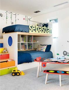 収納棚を2段ベッドとして活用