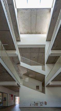 An Institute Design Embarking In A Naturally Lit And Ventilated Building Envelop | KSM Architecture - The Architects Diary Staircase Ideas, Learning Spaces, Architects, Stairs, Building, Design, Home Decor, Stairway, Decoration Home