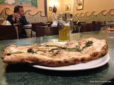 Pizzeria Pellone || My favourite pizza places in Naples: http://www.blocal-travel.com/italy/south-italy/campania-italy/naples-italy/pizza-places-naples/