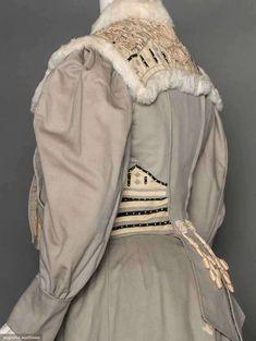Walking Suit (image 5) | America; Detroit | 1905 | flannel, lace, fur | Augusta Auctions | April 8, 2015/Lot 89