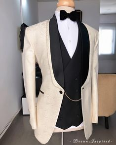 Mens Suits For Sale, Best Suits For Men, Wedding Suit Styles, Wedding Suits, Prom Suit Jackets, Mens Suit Colors, Formal Attire For Men, African Shirts For Men, Shirt And Tie Combinations