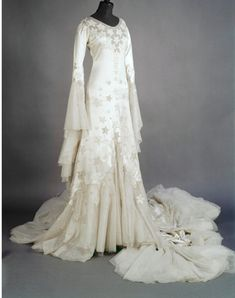 Margaret Whigman's 1933 wedding dress by Norman Hartnel