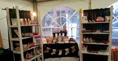Hi, Guten Morgen!  Heute zeige ich euch, wie mein Stand auf dem Weihnachtsmarkt in Osterholz-Scharmbeck ausgesehen hat:  Wa...