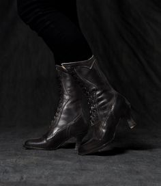 Victorian Boots   Shoes – Granny Boots   Shoes Modern Victorian Lace Up  Leather Boots in 5aad4d2ac92