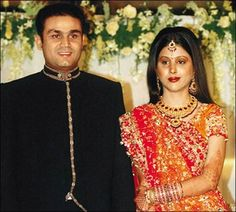 Happy #WeddingAnniversary to #VirenderSehwag and Aarti Sehwag of their memorable #marriage life.