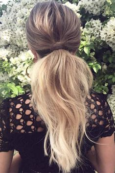 Winter is upon us, so trendy winter hairstyles for holidays and every day are a must now. At this time of the year, you really won't have time for braids and some tricky 'dos, for which you need to waste half of your morning routine. #hairstyles #longhairstyles